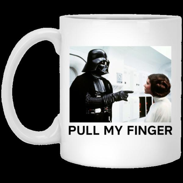 image 18 600x600 - Vader & Leia pull my finger Star Wars mug